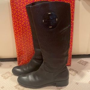 Tory Burch boot